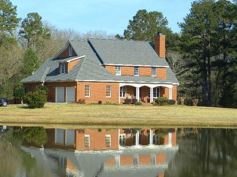 Beautiful Home On 12 Ac Pond : Hawkinsville : Houston County : Georgia