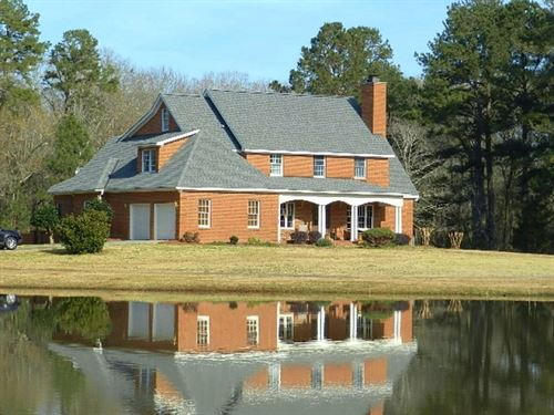 Beautiful Home On 12 Ac Pond : Hawkinsville : Houston County : Georgia