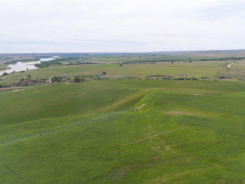 Cracker Box Creek Ranch : Glendive : Dawson County : Montana