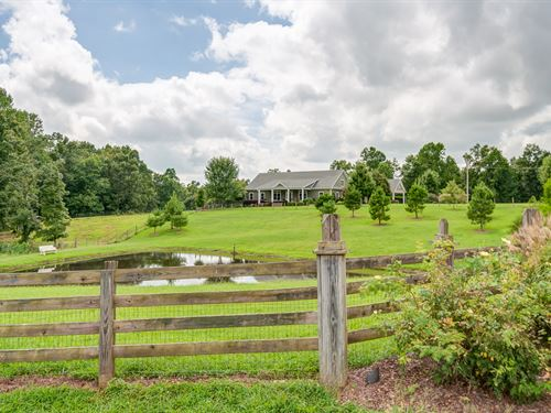 Gorgeous Custom Home On 15 Acres : Ethridge : Lawrence County : Tennessee