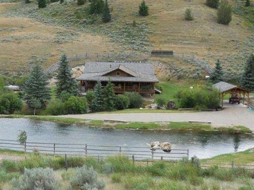 Beaver Lodge : Lima : Beaverhead County : Montana