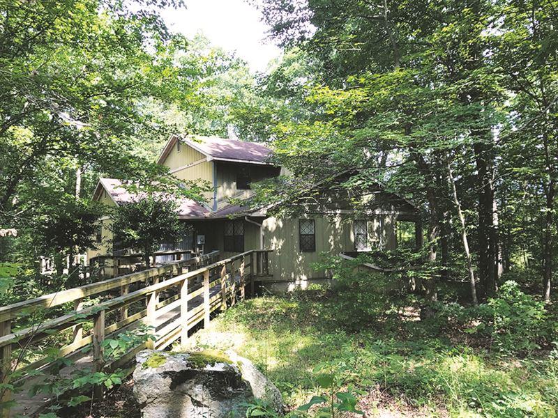 Custom Home & 17 Acres : Clarkrange : Fentress County : Tennessee