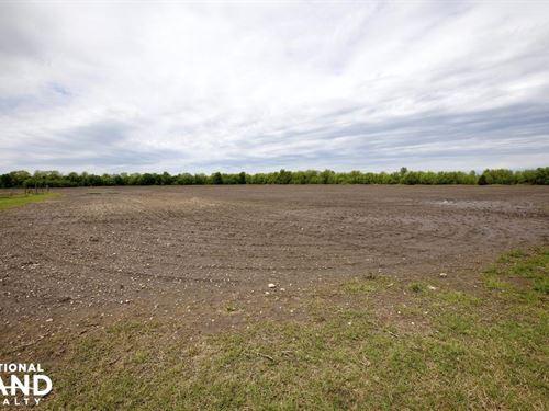 Lacygne Farm Or Business : Lacygne : Linn County : Kansas
