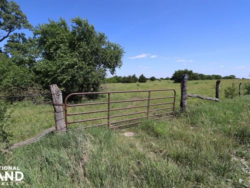 Lawrence Cattle And Country Homesit : Lawrence : Douglas County : Kansas