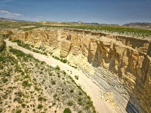 80 Acres, Deep Canyon In The Corner : Terlingua : Brewster County : Texas