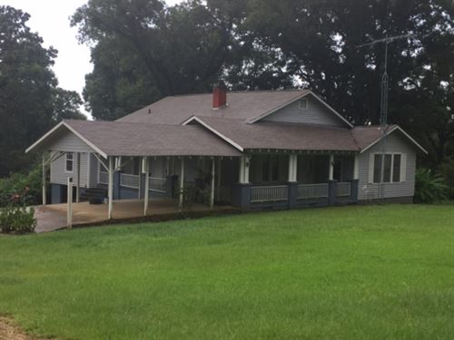Farmhouse And 131 Acres : McComb : Pike County : Mississippi