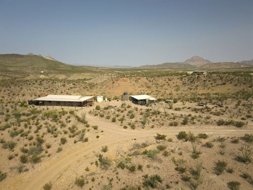 Off Grid Custom Home On Scenic 32 : Alpine : Brewster County : Texas