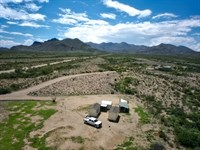 852A 20 Acres With Small Cabins : Alpine : Brewster County : Texas
