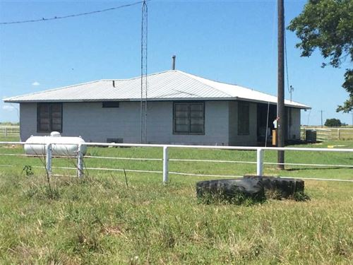 House on 10 Acres Land For Sale ne : Gainesville : Cooke County : Texas