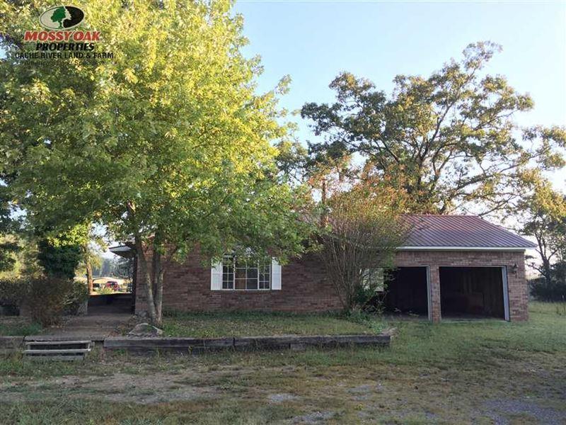 Home And 11 Acres on Hwy 16 West : Clinton : Van Buren County : Arkansas