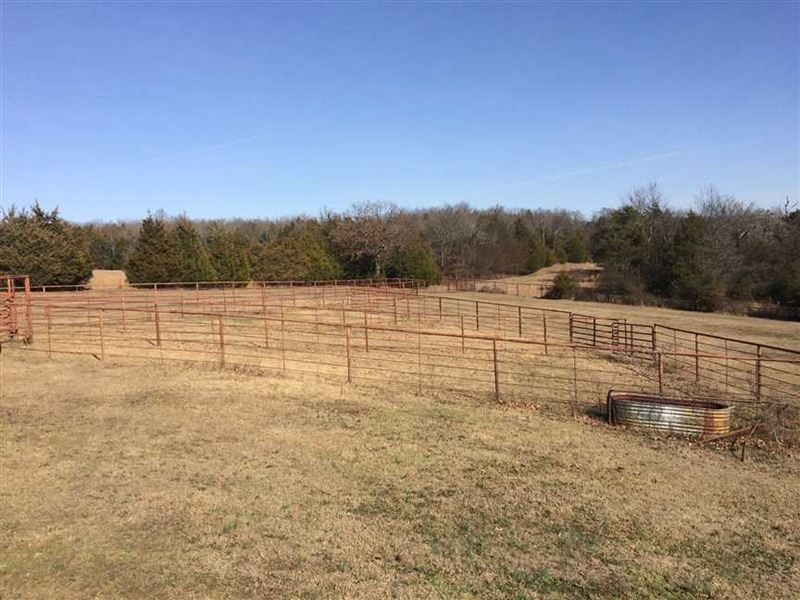 Price Reduced Large Home, 2 Barn : Mount Vernon : White County : Arkansas