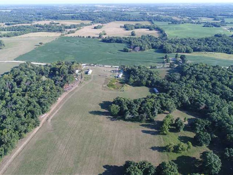 Pasture/Woods & Mobile Home in : Cameron : Dekalb County : Missouri