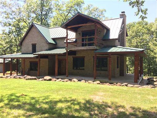 Gorgeously Designed Home Minutes : Macks Creek : Camden County : Missouri