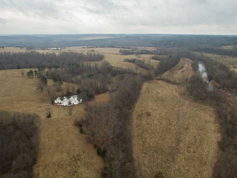 553 Acre Big Piney River Farm Catt : Licking : Texas County : Missouri