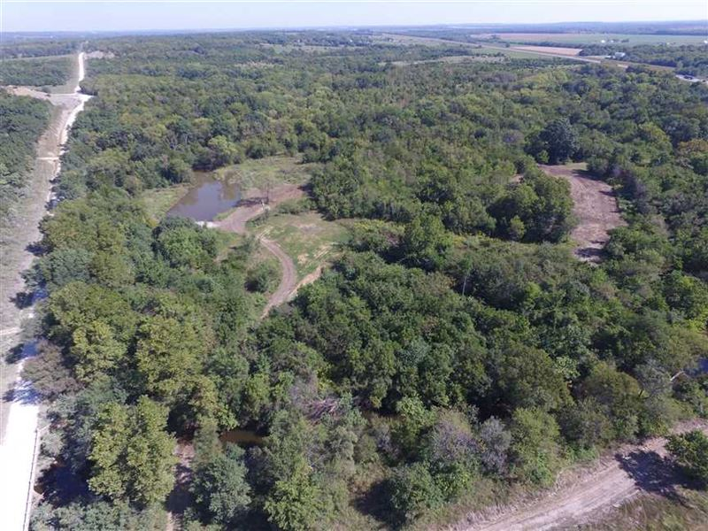 Turn Key Hunting Farm For Sale in : Cherryvale : Montgomery County : Kansas