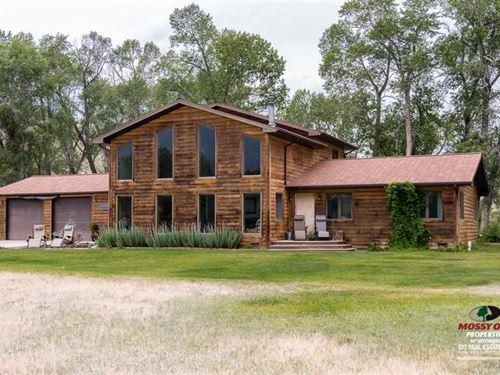 Three Bedroom, Two Bath Home on 11 : Cody : Park County : Wyoming