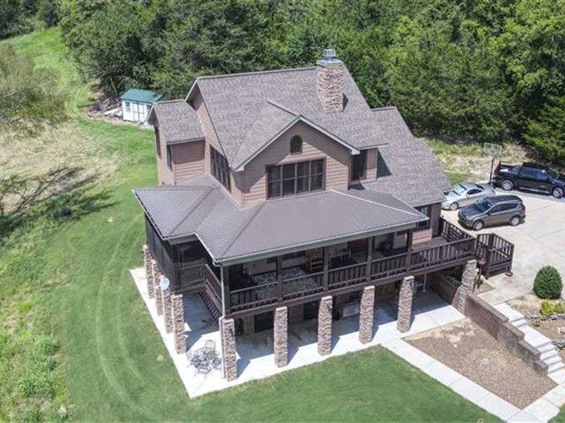 Luxury Home & Farm With Fenced Pas : Lynchburg : Moore County : Tennessee