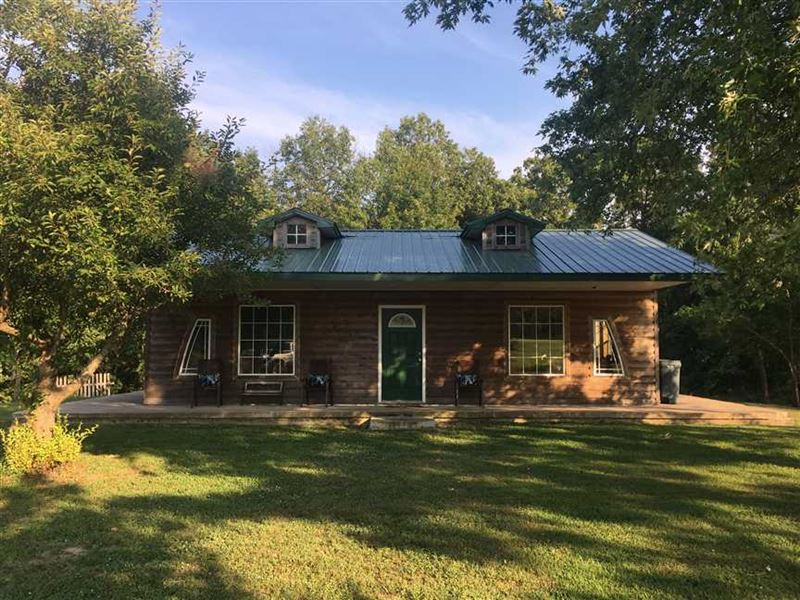 Beautiful Country Home on 10 Acres : Dixon : Maries County : Missouri