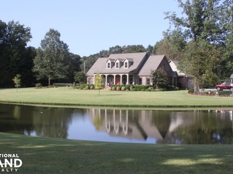 Custom Built Home on 33 Pristine ac : Hazen : Prairie County : Arkansas