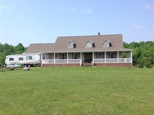 469 Acres of Farm And Timber Land : Axton : Pittsylvania County : Virginia