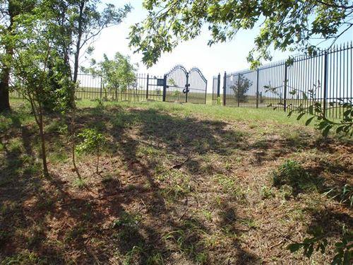 Gated - Beautiful 6000 Square Foot : Cashion : Kingfisher County : Oklahoma