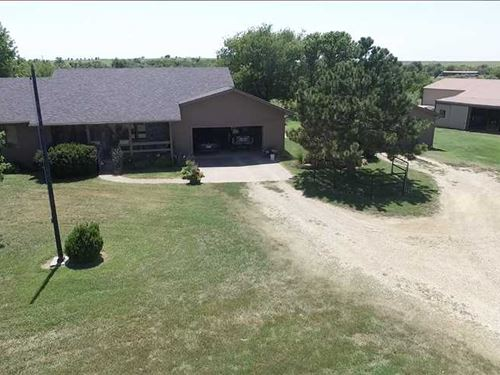 Horse Lovers Dream Ranch For Sale : Eureka : Greenwood County : Kansas
