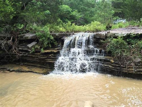 600 Acre - Hunting Retreat : Wister : Le Flore County : Oklahoma