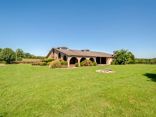 Beautiful 186 Ac Farm & Custom Home : Five Points : Lawrence County : Tennessee
