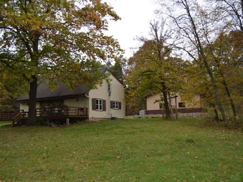 Central Wisconsin Lodge And Hunting : Westfield : Marquette County : Wisconsin