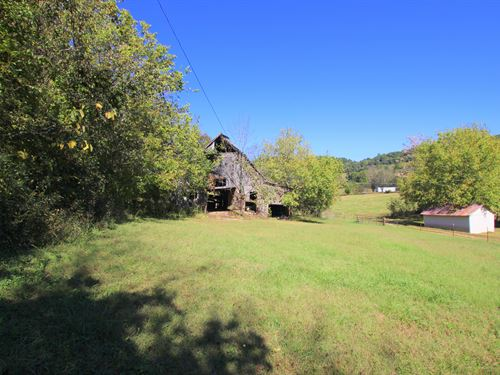 39 Acre Farm Loaded With Charm : Mount Pleasant : Maury County : Tennessee