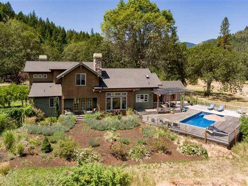 Rogue River Ranch : Shady Cove : Jackson County : Oregon
