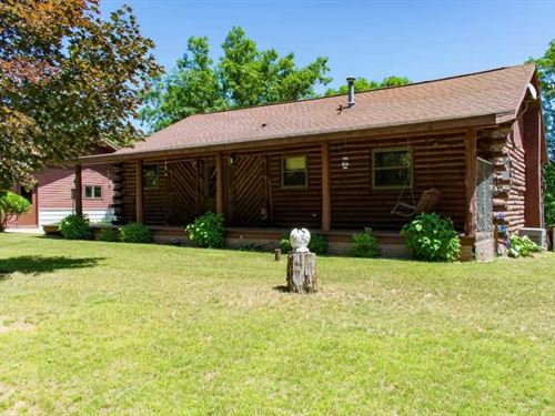 Log Home on 7 Acres Overlooking Ch : Coloma : Waushara County : Wisconsin