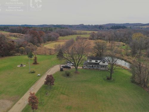 Remodeled Country Home & Hunting : Wonewoc : Sauk County : Wisconsin