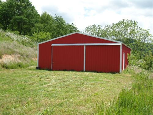 28 Ac W/ 30X50 Drive Thru Pole Barn : Celina : Clay County : Tennessee
