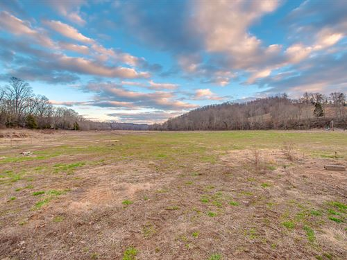 54 Acre Farmstead : Centerville : Hickman County : Tennessee