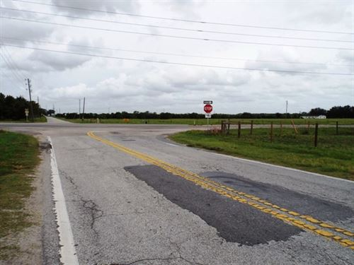 Corner Lot. Major Highway : Lake Wales : Polk County : Florida