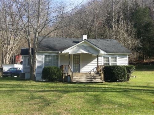 25 Acs, 2 Story Farm House & Barn : Red Boiling Springs : Jackson County : Tennessee