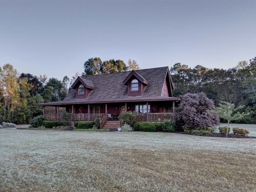 Amazing Log Home With 6 Acres : Suffolk : Suffolk City County : Virginia