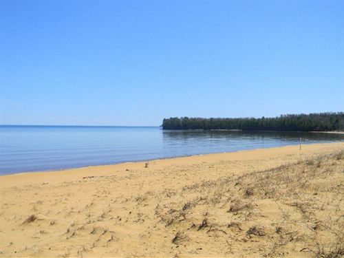 Big Traverse Bay, Lot 41 : Calumet : Houghton County : Michigan