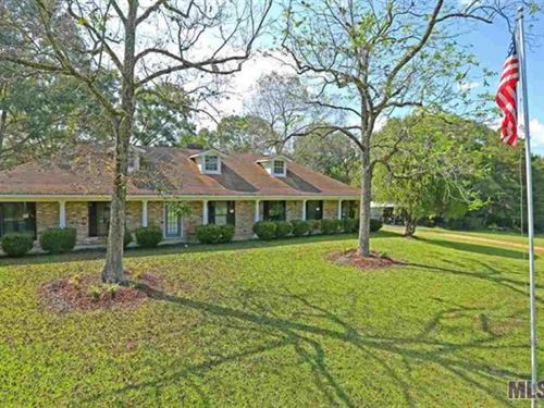 Beautiful Home Overlooking 50 Acres : Liberty : Amite County : Mississippi