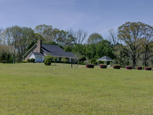 Beautiful 32 Acre Country Estate : Woodville : Wilkinson County : Mississippi