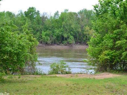 Riverview 391 Acres With 3 Miles : Augusta : Woodruff County : Arkansas