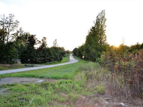 70.56 Acres With Great Buildi : Dennard : Van Buren County : Arkansas