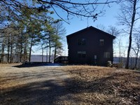 Beautiful Log Cabin W/ Views : South Pittsburg : Marion County : Tennessee
