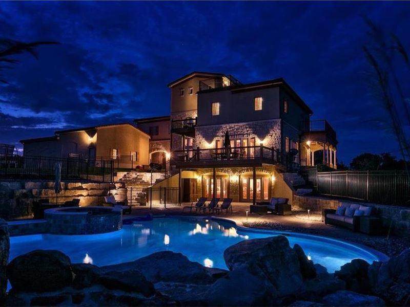 Luxury Living Close To Kansas City : Edgerton : Douglas County : Kansas