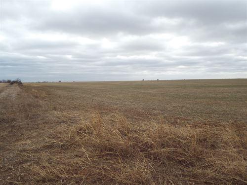 Prime Farmland With Large Pond : Douglas : Garfield County : Oklahoma