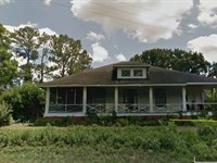 Historic Home With Pond And Acreage : Americus : Sumter County : Georgia