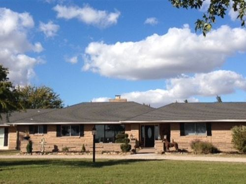 Country Style Home And Acreage : Enid : Garfield County : Oklahoma