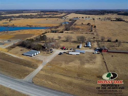 Home With 30 Acres - That Pays For : Cherryvale : Montgomery County : Kansas