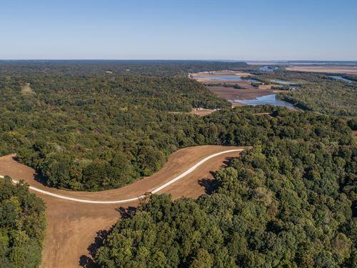 Beautiful Recreational Farm : Hardin : Calhoun County : Illinois